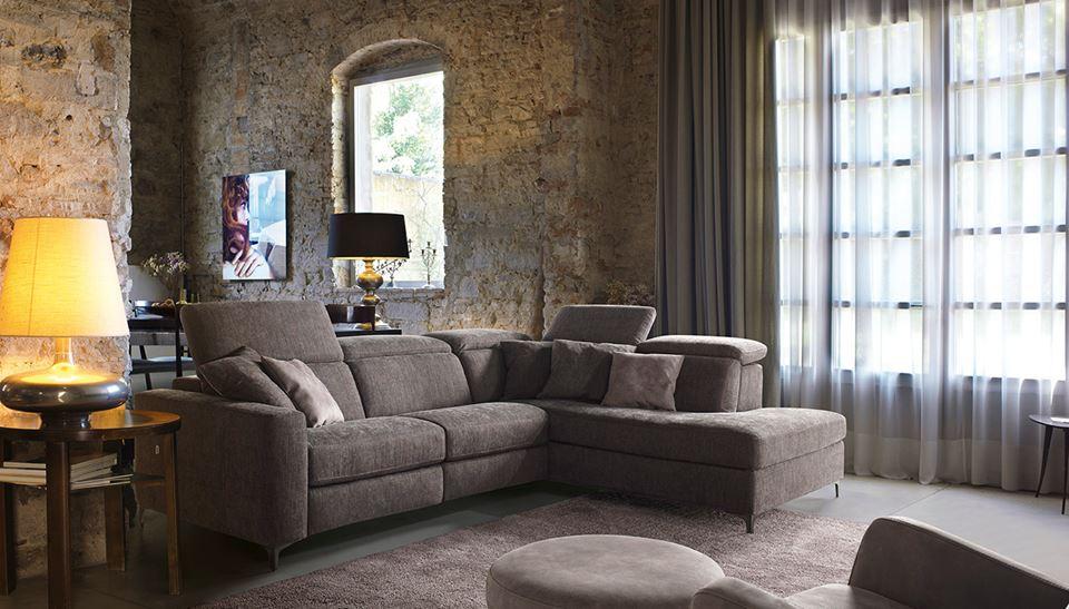 Divani e poltrone for Poltrone e sofa contatti